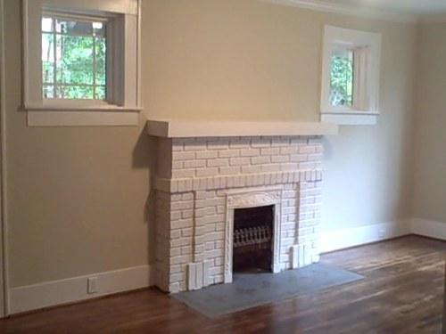 North Main Brick Bungalow Available Nov 1 2015